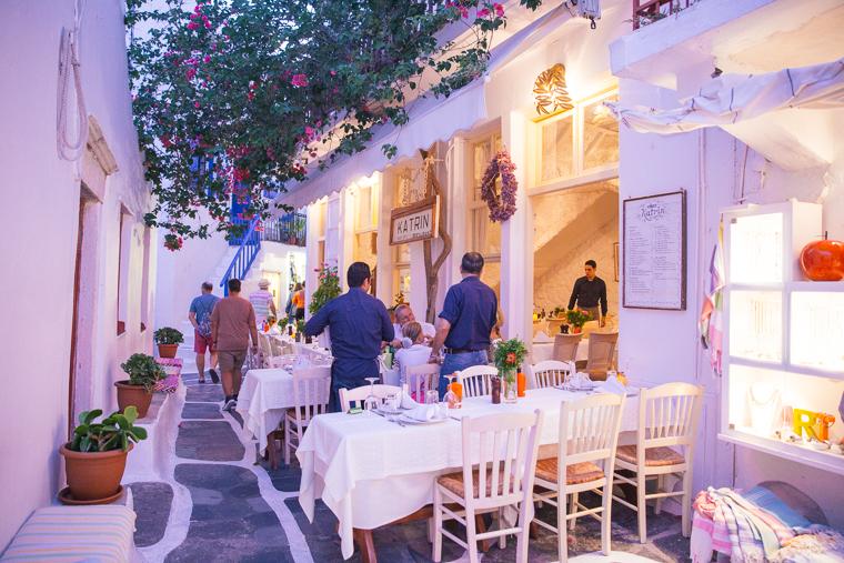 restaurants for dinner in Mykonos Town Greece