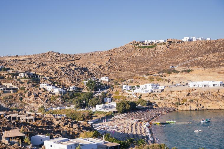 paradise beach plays music mykonos greece