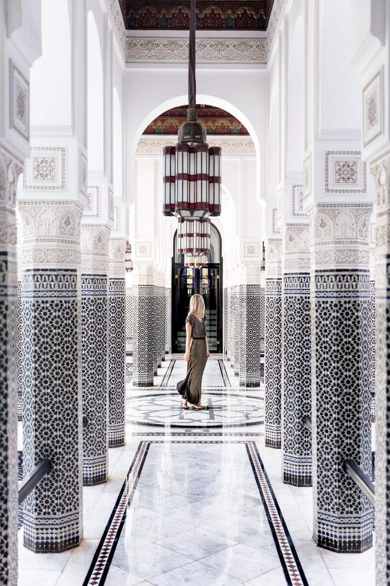Where to take photo of hallway Hotel Mamounia Marrakesh Morocco via finduslost