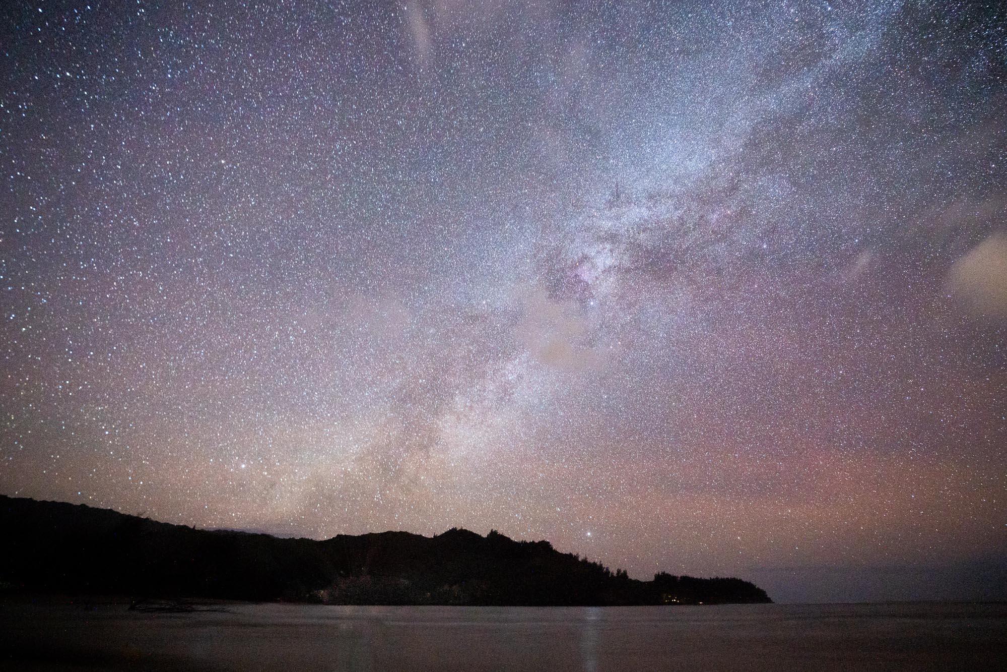 Kauai stars over Hanalei Bay at night via Find Us Lost
