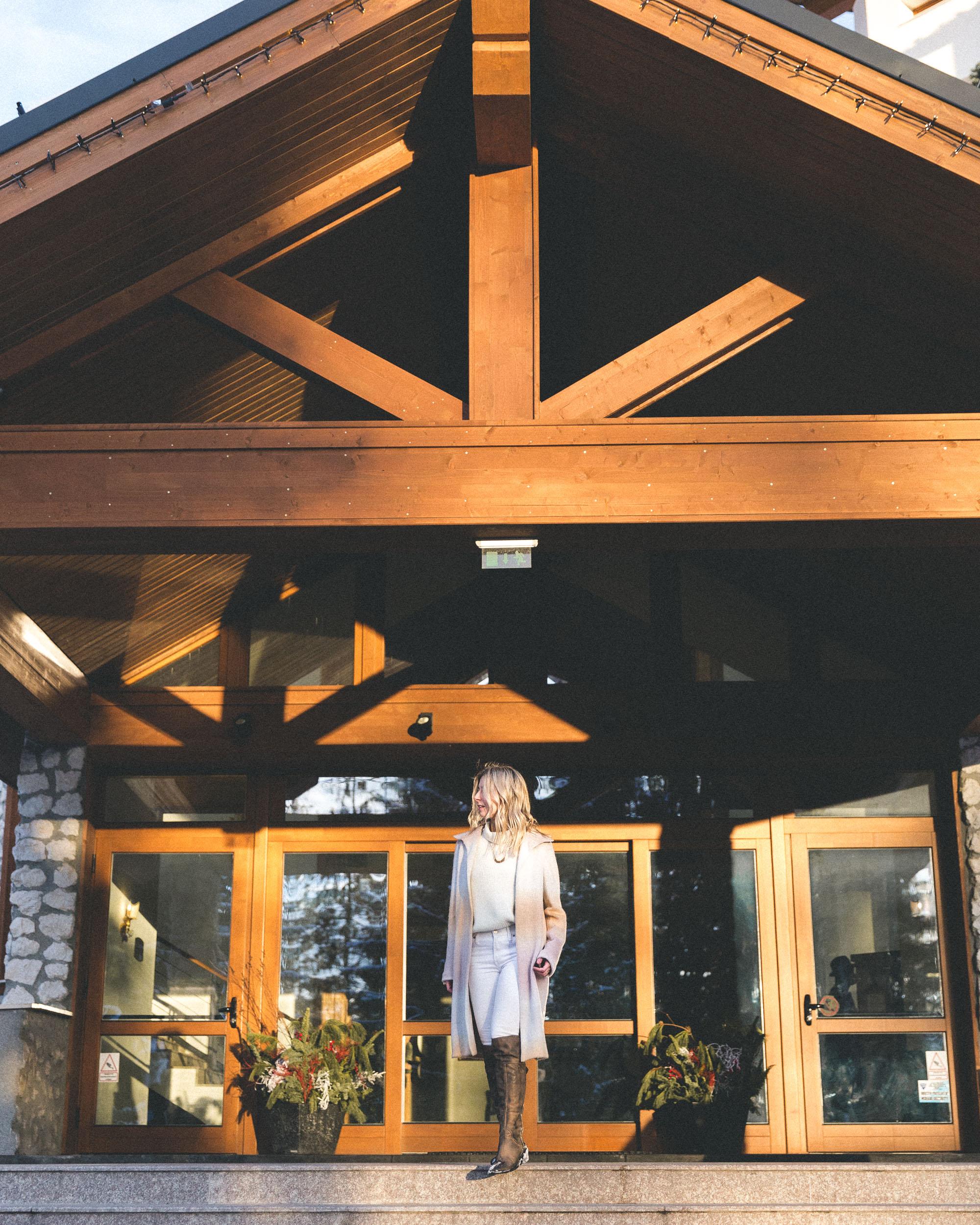 Romania, Grand Teleferic Hotel via Find Us Lost