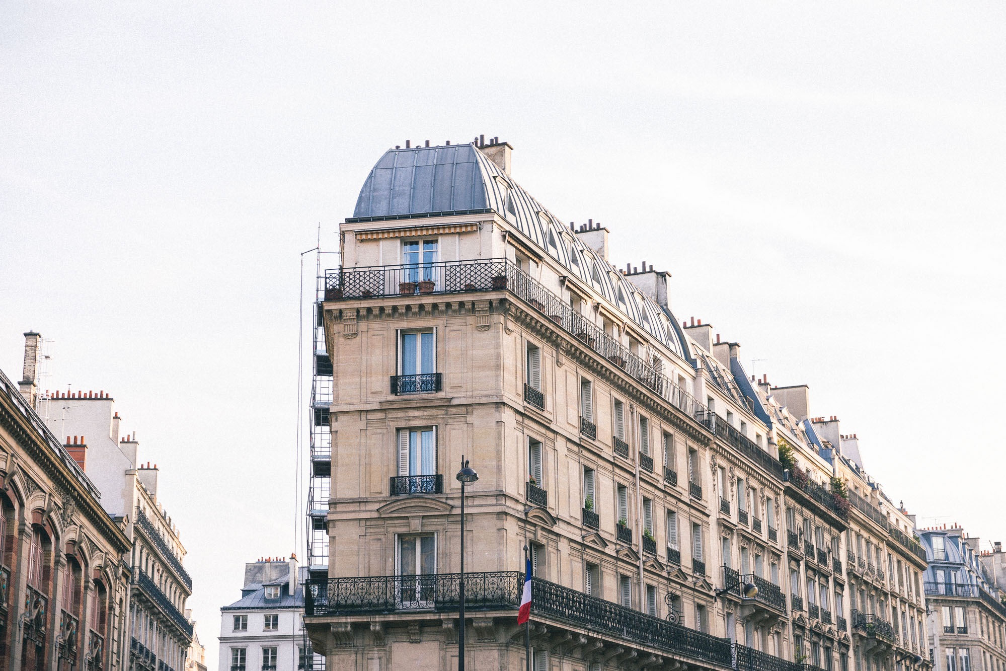 The best neighborhoods of Paris, France - Complete Paris Travel Guide