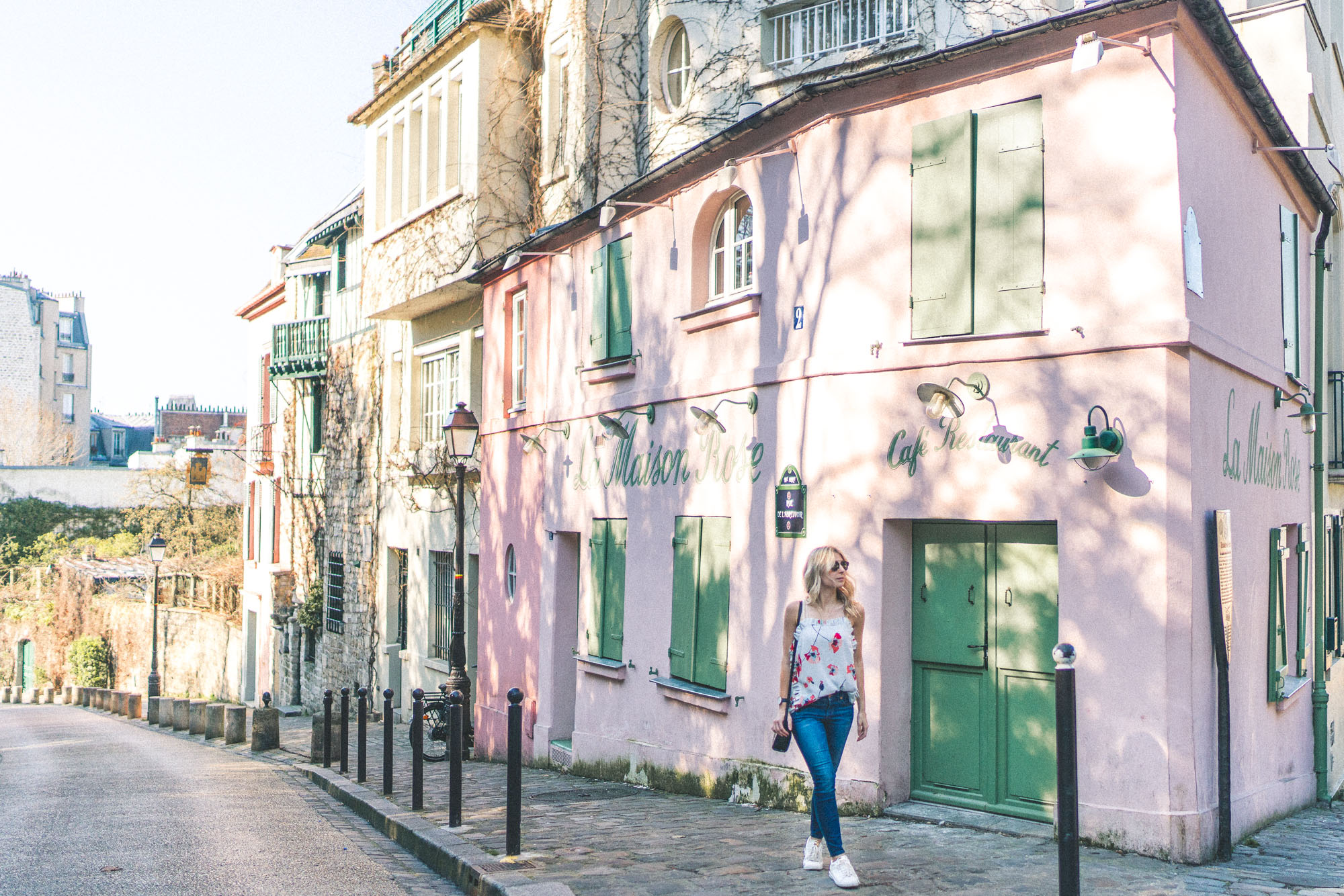 Montmartre's La Maison Rose - Best Photo spots in Paris - Complete Paris Travel Guide
