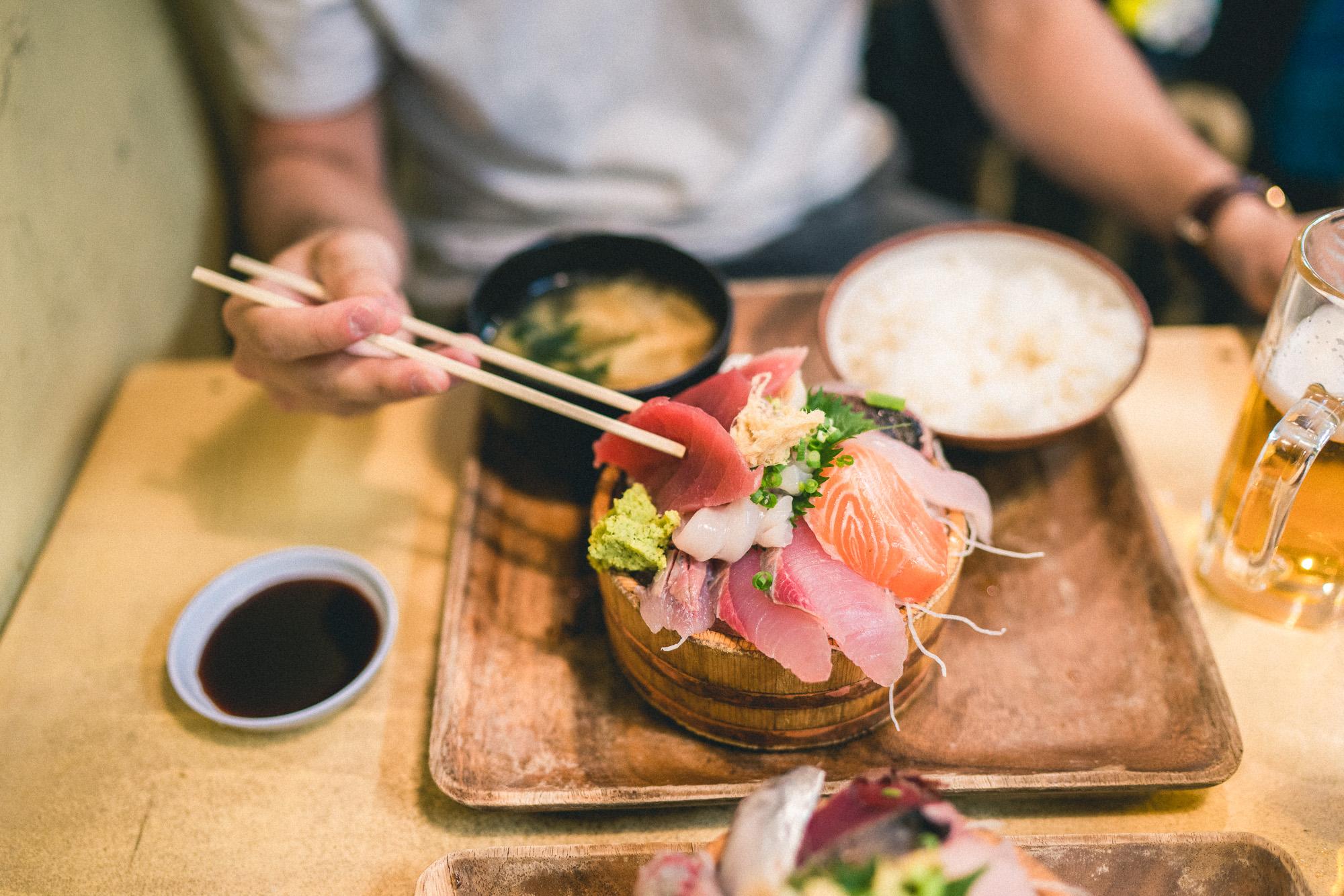 The Complete Tokyo Travel Guide | City Guides | Japan Travel Itinerary | Shinjuku Shibuya Harujuku Neighborhood Travel Tips | Chirashi Sushi Dinner Cheap Eats