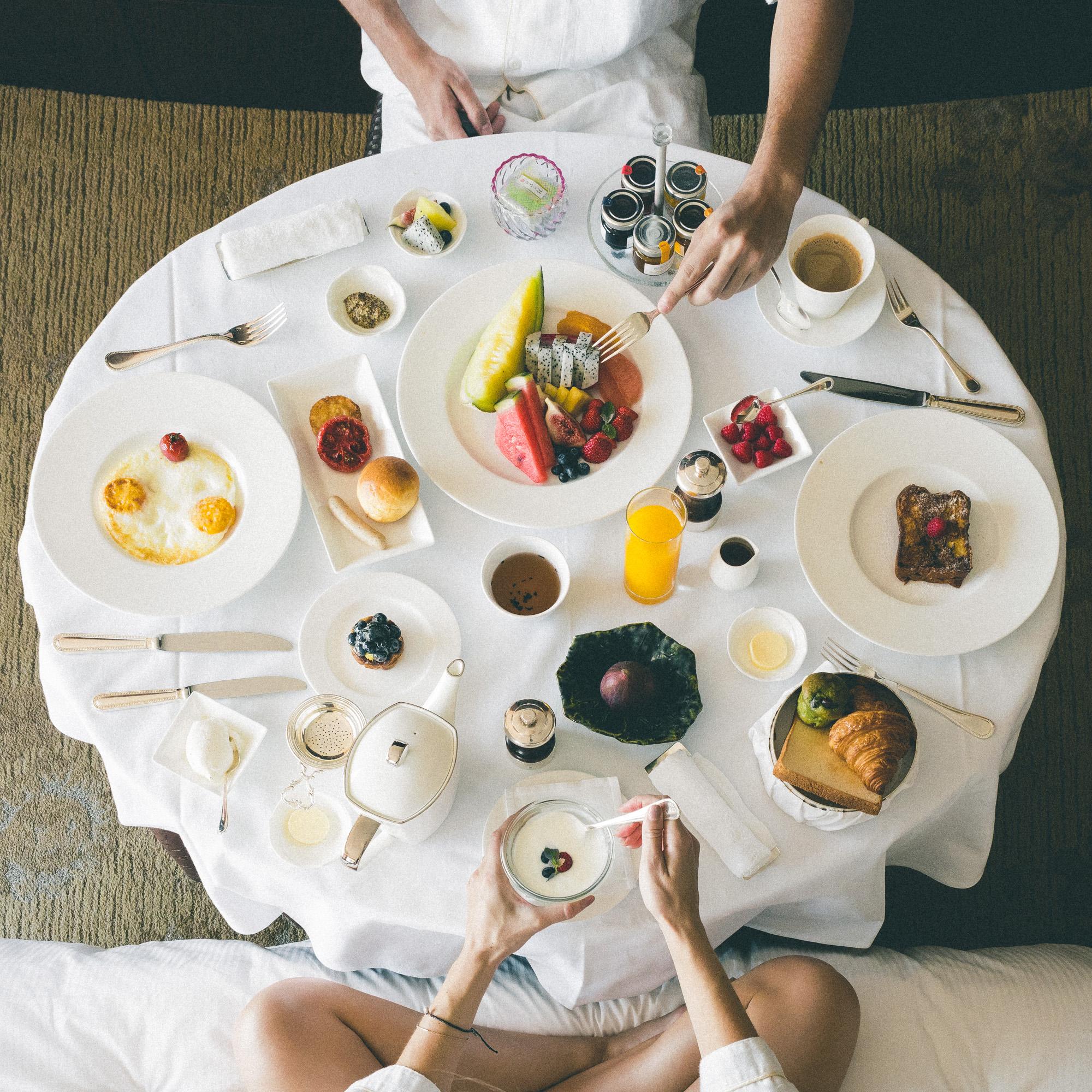 The Complete Tokyo Travel Guide | City Guides | Hotels in Tokyo | Shangri-La Hotel Tokyo | Japan Travel Itinerary | Shinjuku Shibuya Harujuku Neighborhood Travel Tips