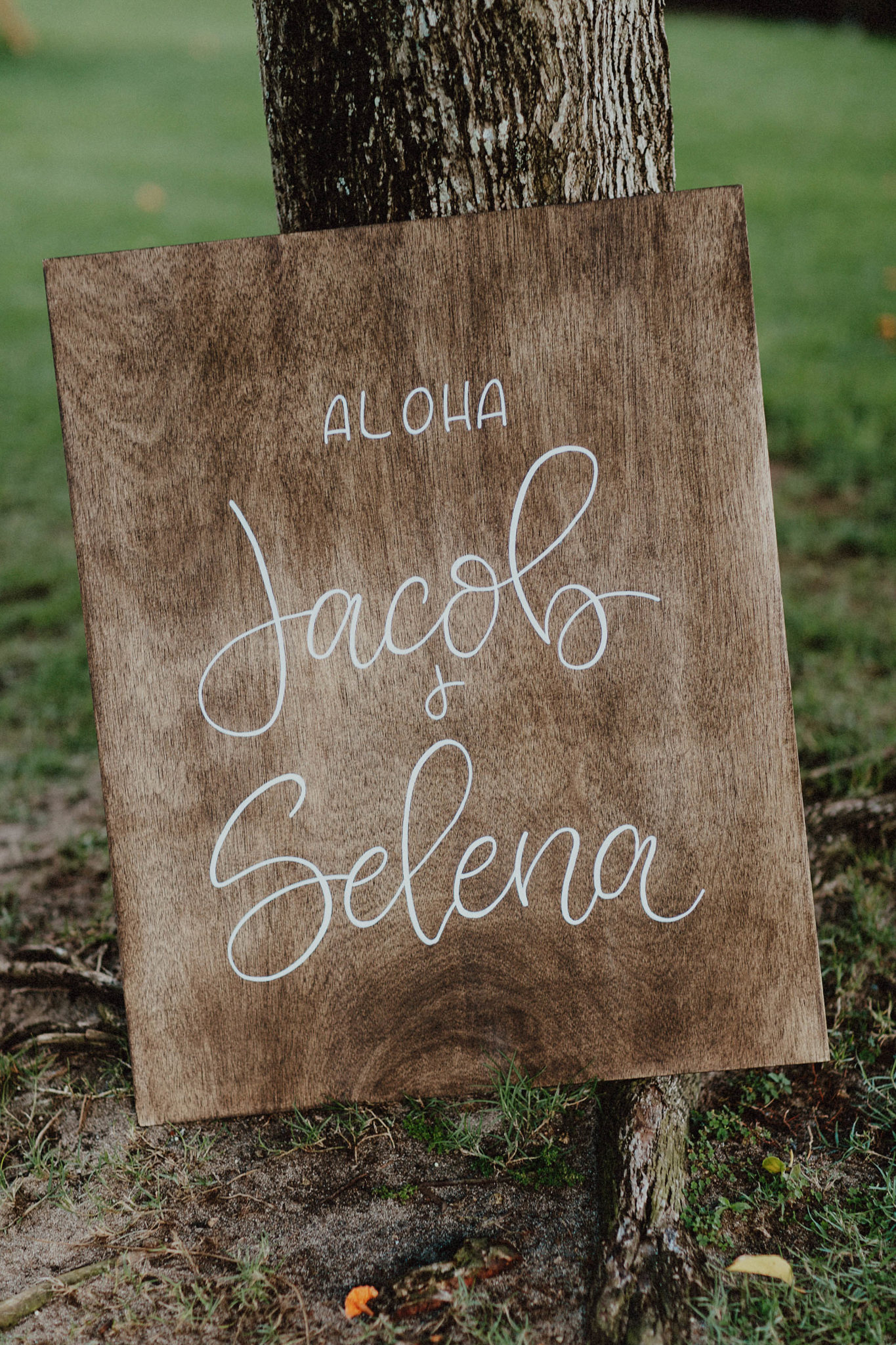 Welcome sign calligraphy for wedding in hawaii