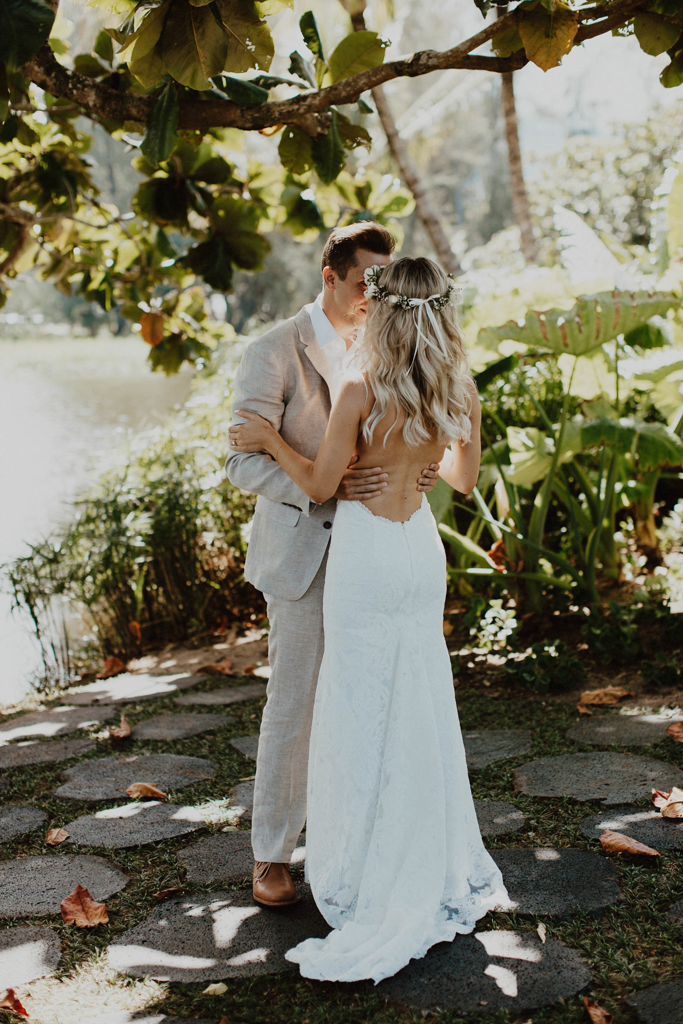 Photos Backless Wedding Dress On Hei Bay Beach North S Kauai Hawaii