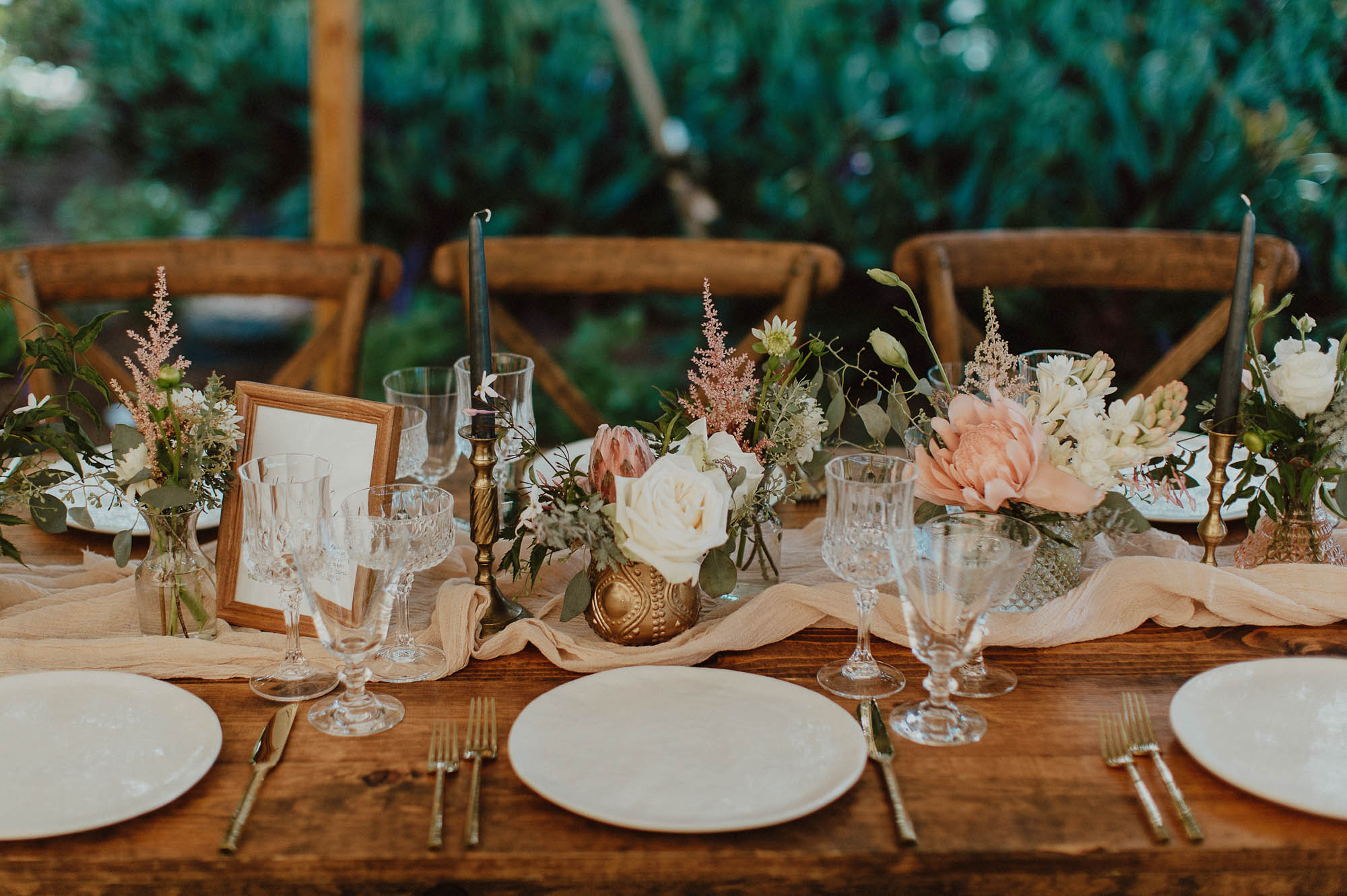 Blush and gold table setting place settings elegant california chic details