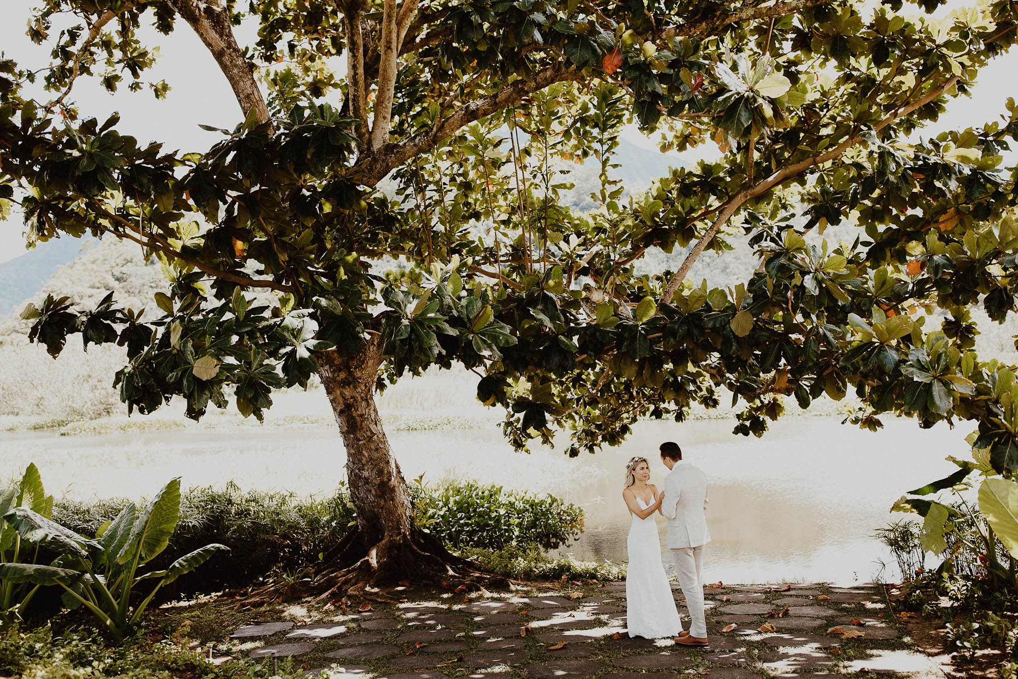 our first look wedding photos white lace wedding dress north shore kauai