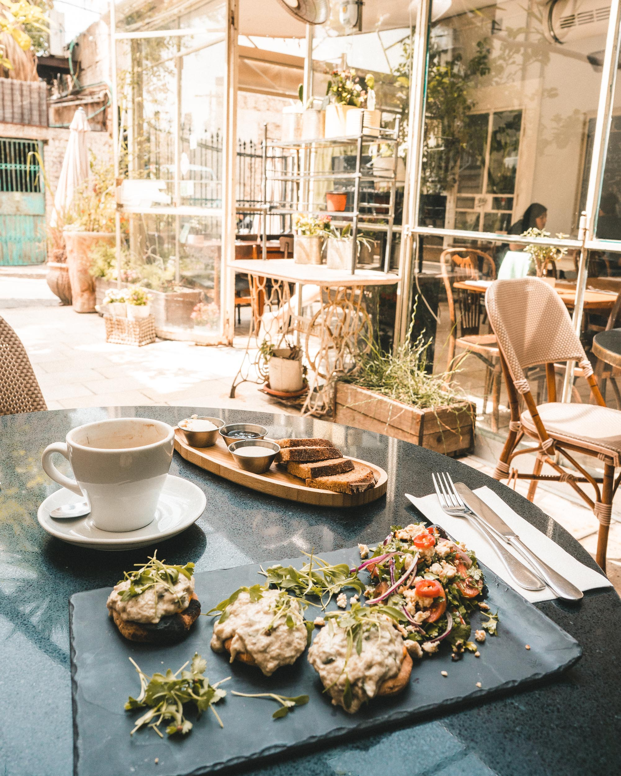The best healthy vegan brunch and breakfast at Meshek Barzilay in Tel Aviv, Israel