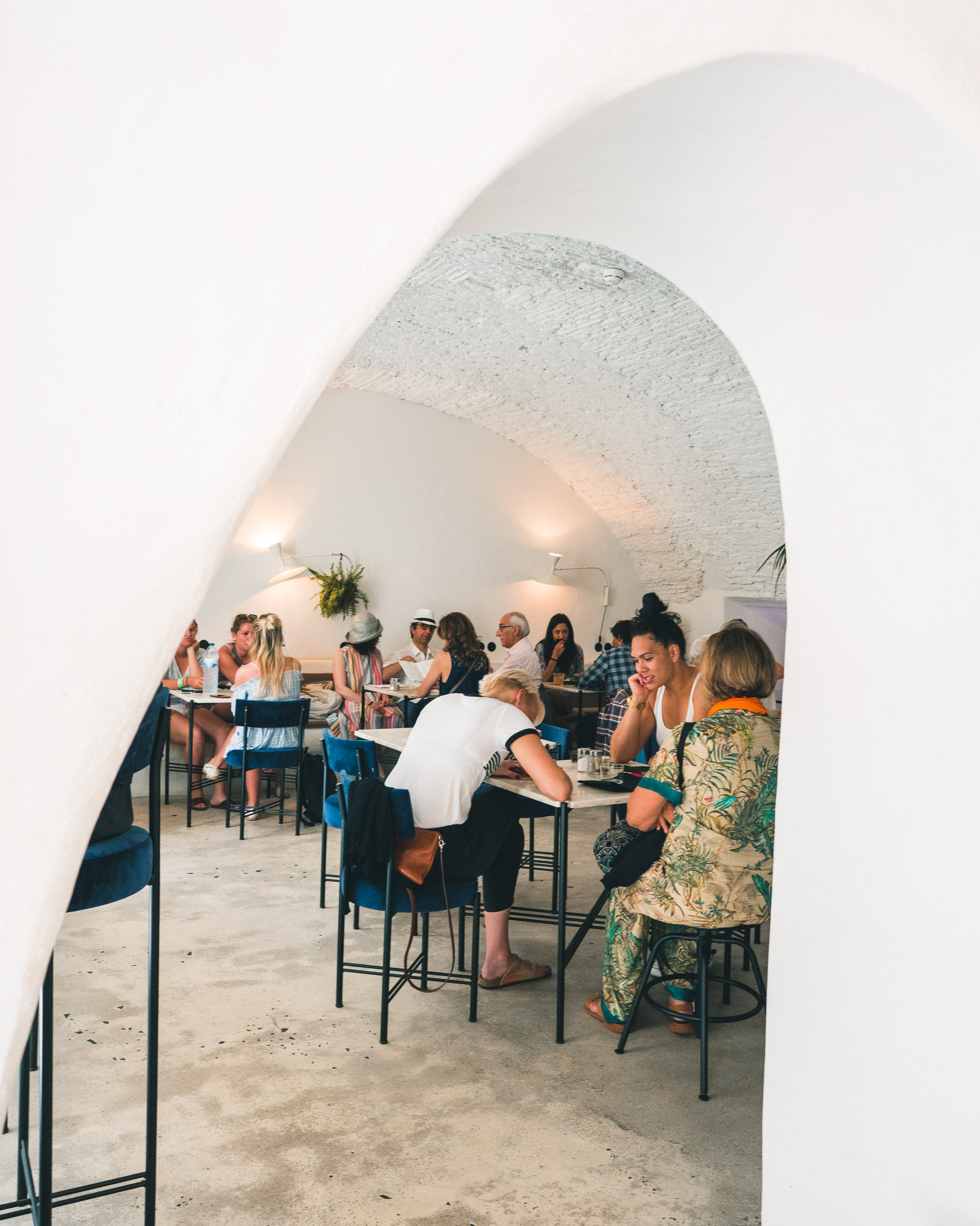 Photogenic brunch at Dear Breakfast in Lisbon, Portugal | Lisbon Travel Guide via Find Us Lost