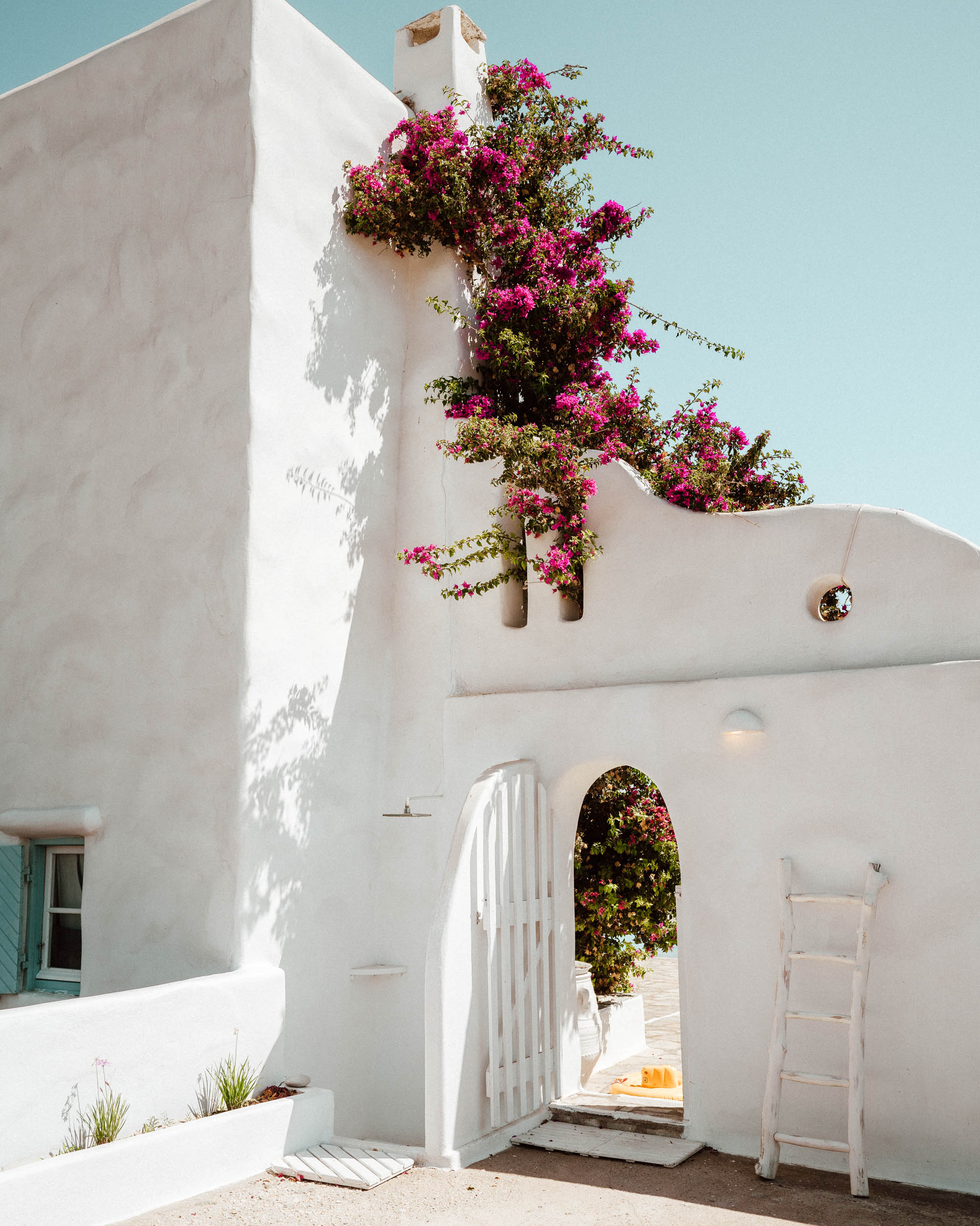 One of the best greek islands to visit - Paros via @finduslost