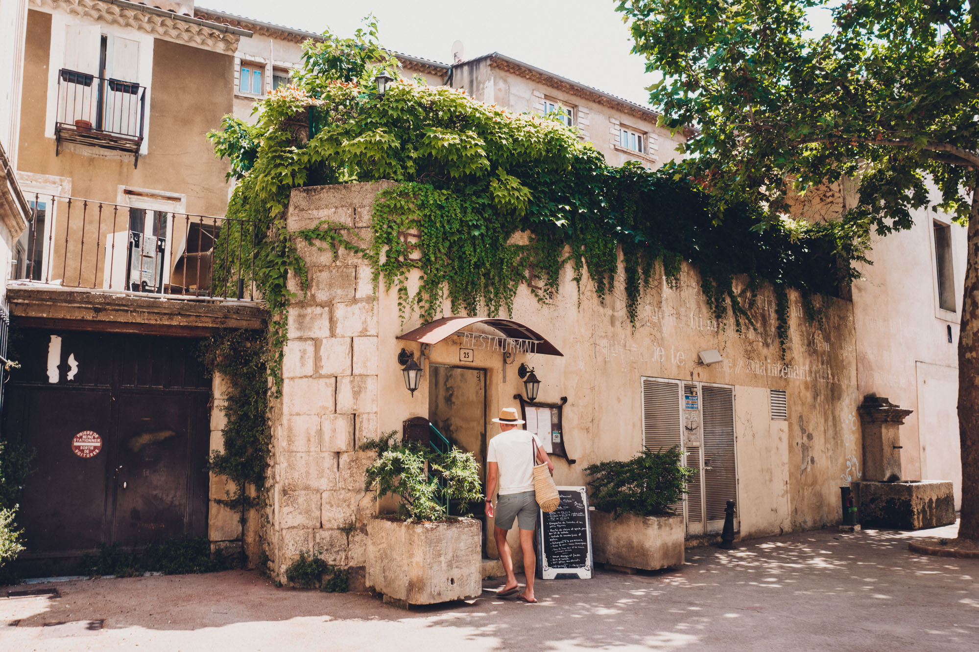 Apt market restaurant in Provence, South of France