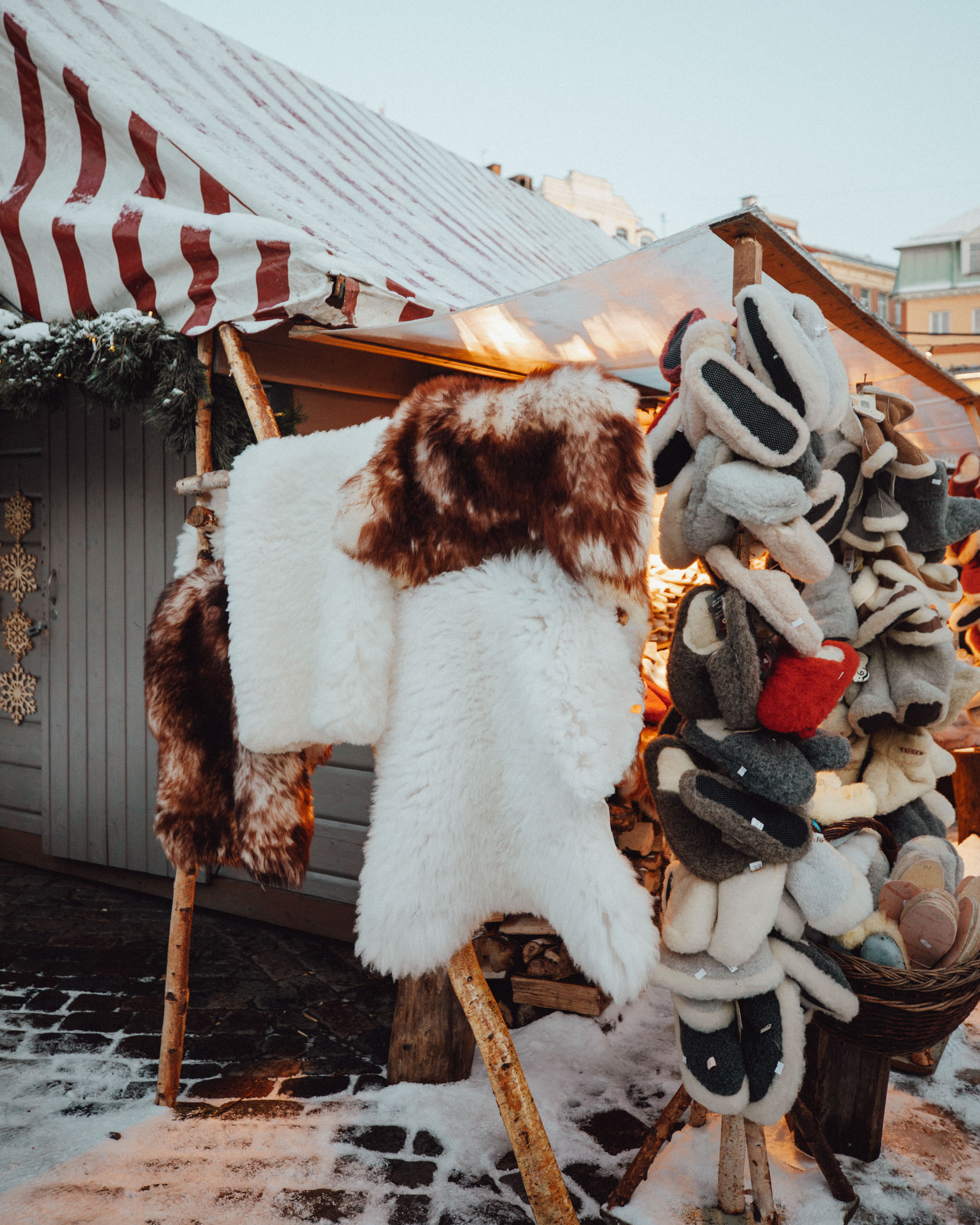 Riga Latvia Christmas Market in Winter via @finduslost