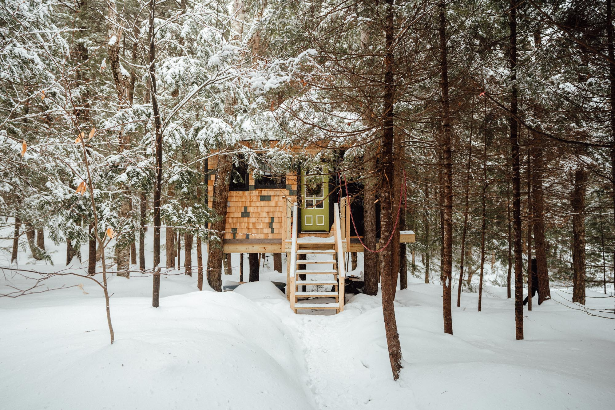 Vermont Treehouse Airbnb From New York City via @finduslost