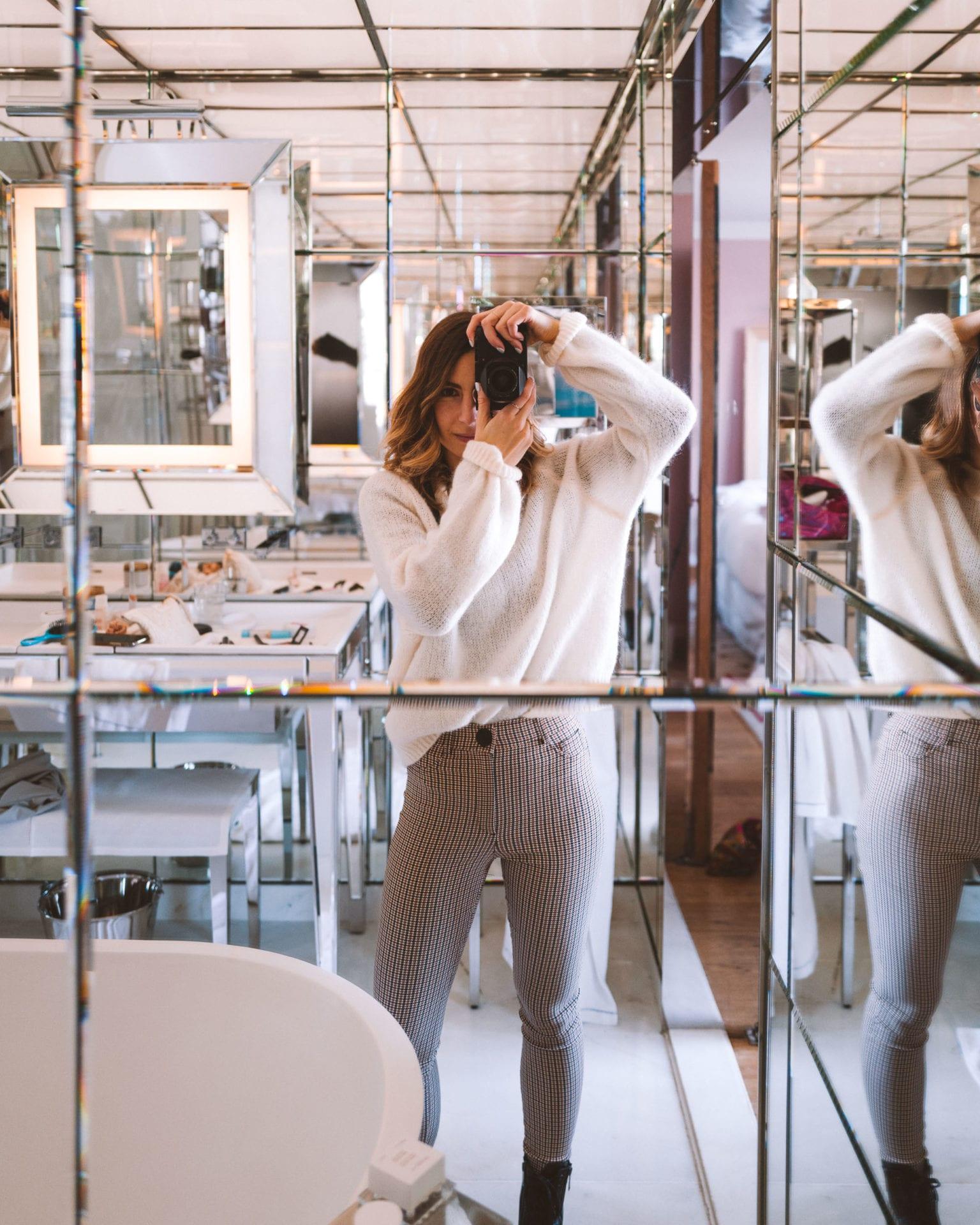 Mirrors in the bathroom at Le Royal Monceau Raffles Paris