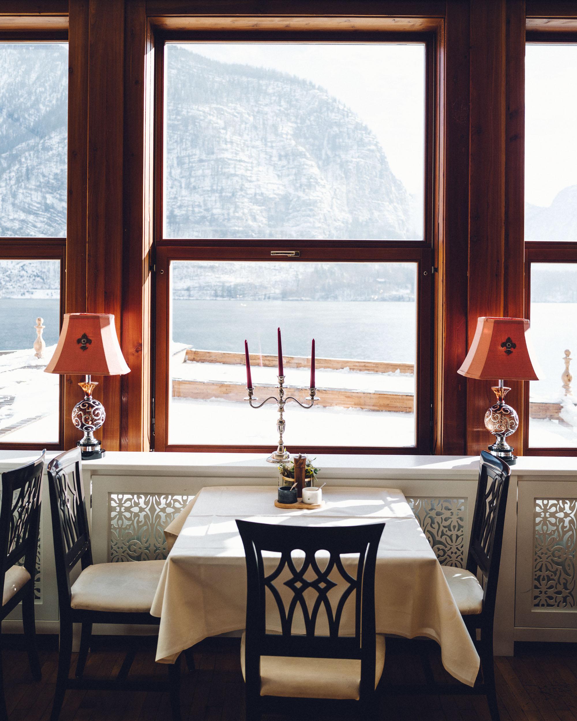 Seehotel Gruner Baum Hallstatt hotel restaurant view in Austria