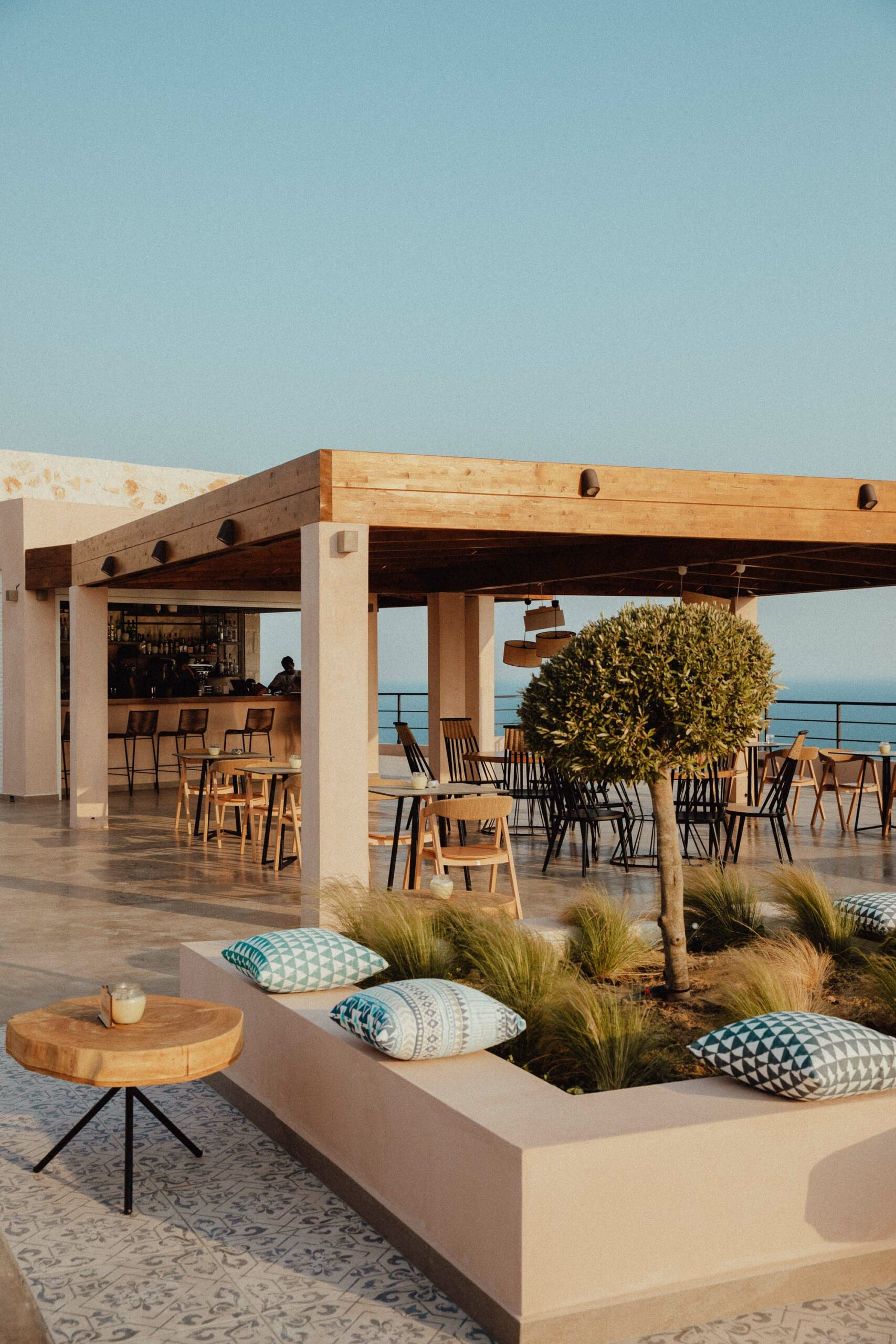 L'ete sunset bar for views of the ocean in Zakynthos Greece